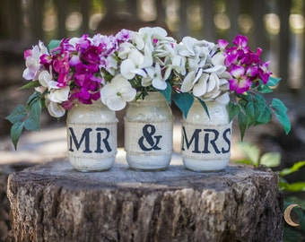 Gorgeous Rustic Style MR & MRS Mason Jar Vases hand painted/stenciled