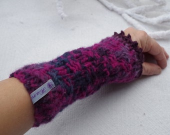 wrist warmers/hand warmers made of fine Merino Wool