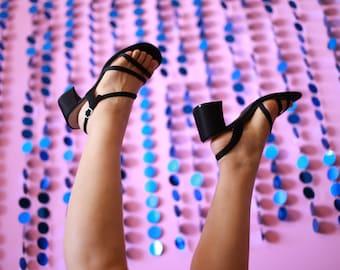 2000 Mudd strap sandals ! size 9