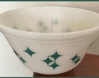 Mid-Century Federal Glass Mixing Bowl with Twinkle/Diamond Pattern