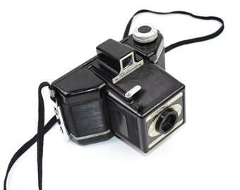 Coronet Flashmaster Bakelite Box Camera 120 film c. 1954