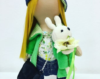 Interior doll with green tones