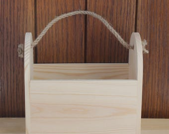Trug. Wooden Trug. Plain wooden trug. Trug to decorate. Garedn tool carrier. Wooden Carrier. Garden trug. Wooden tray. Wooden crate
