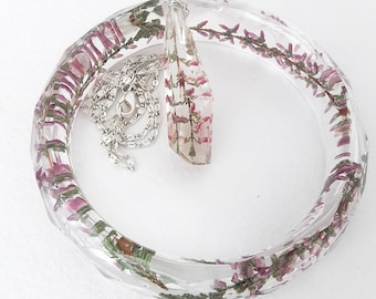 Bracelet and pendant with Heather in the resin