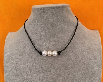 "Three Pearls Necklace,Choker Leather Necklace, Black Round Genuine Leather Jewelry,Freshwater Pearls Chocker 16"" Handmade"