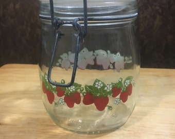 3/4 L Strawberry Canister by Carlton Glass