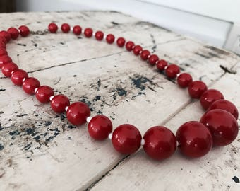 Vintage Cherry Red 1970's Beaded Necklace // Boho Americana