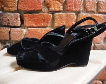 Women's 90s Attitude Pegabo Black Velvet Wedges Sandals Shoes Heels Size EU 36 / US 5