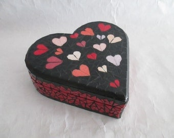 Mosaic heart shaped jewelry box
