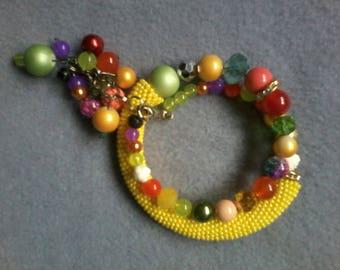 Handmade accessories. Bracelet on the memorial wire.