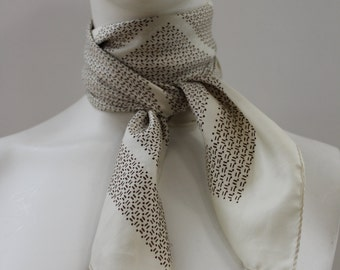 Patterned Kerchief (White/Brown)