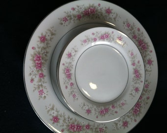 Crestwood Fine China pieces
