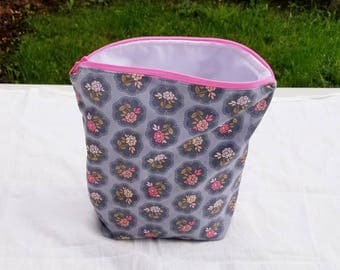 Knitting Project Bag Free Shipping**** Small Sock Roses Floral zipper Beauty and the Beast Disney Grey Gray