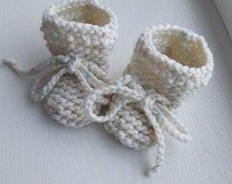 Merino  booties,handmade baby booties,SOCKS, baby socks, Hand knit baby socks, knit baby socks, newborn socks, baby socks, baby newborn gift