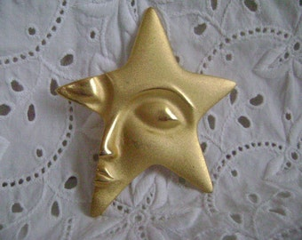 Vintage Brooch,  Gold Tone Brooch, Unique Star Face, 1960's