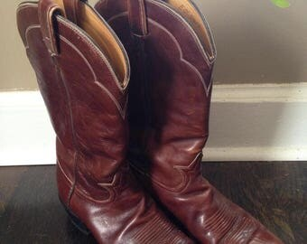 Size 10, Perfectly worn ox blood cowboy boots