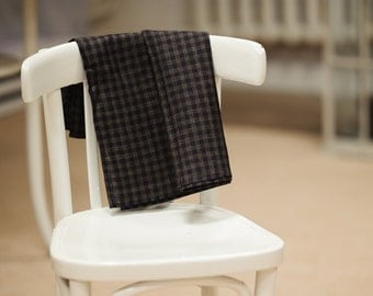 Linen kitchen tea towel / Dark brown with black squares
