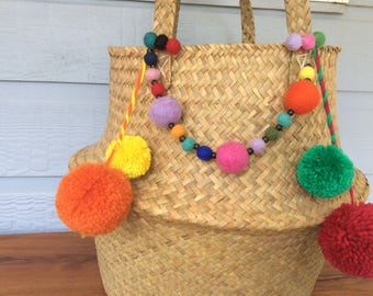 Seagrass bellybasket with lotsa pompoms