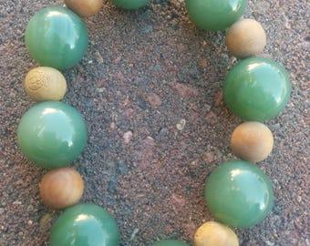 Siberian nephrite and sandalwood bracelet