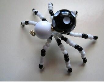 Spider Beaded. Black,White.