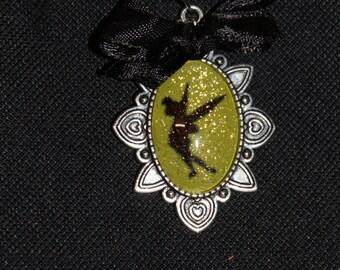 Necklace cabochon Tinkerbell - tinkerbell - disney princess - petter pan - green