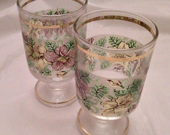 Duo of small glasses vintage