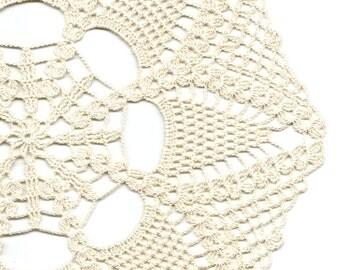 Crochet Doilies Lace Doily Table Decor Crocheted Place Mat Centrepiece Doily Tablecloth Table Runner Napkin Vintage Boho Wedding Cream Beige