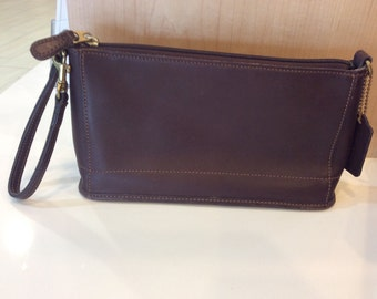 Classic COACH Brown Leather Small Bleecker Hand Bag/Wristlet Made In USA 9311