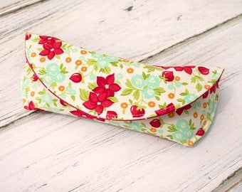Fabric Sunglass Case, Sunglasses Case, Hard Sunglasses Case - Red and White Floral