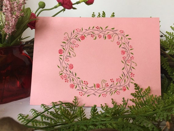 Round floral wreath, can be personalized