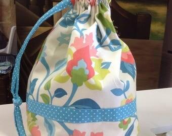 Cosmetic vinyl lined bag