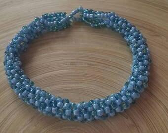 Blue hues beaded bracelet