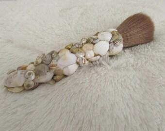 Seashell Powder Brush