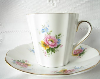 Vintage cup saucer Elizabethan cup saucer Collection cup Collection gift for her Floral cup Floral saucer Peony cup Peony saucer Mother gift