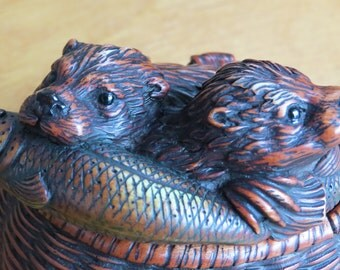 Very unusual Otter figurine, collectible trinket box