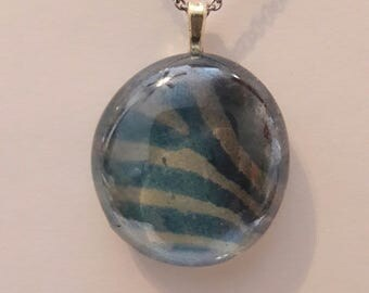 Animal print pendant, pendant, glass stone pendant, picture back pendant.