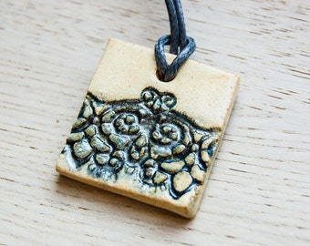 Errai - square ceramic pendant - gray-blue lace