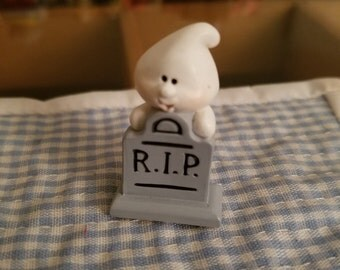 Hallmark Merry Miniature white ghost at headstone RIP Halloween