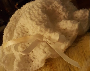 Baby hat with ribbon