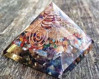 Mixed Chakra Stone Orgone Crystal Healing Reiki Pyramid