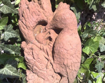 F 17 art antique sandstone look Woodpecker bird