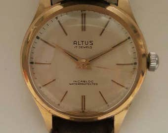 Vintage gentlemens ALTUS watch in superb condition dating to the early 1950's---------SERVICED-------