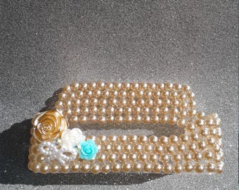 Pearl flower business card holder