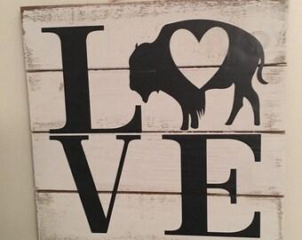 Buffalo LOVE - Buffalo, NY Pallet Sign