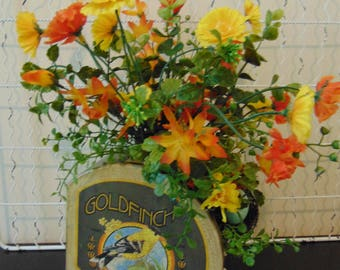 Goldfinch Tin With Poppies