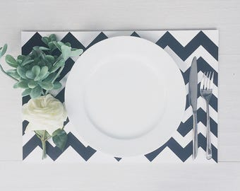 Chevron Paper Placemats // Black and White Paper Placemats // Chevron // Party Decor // Set of 24 Paper Placemats