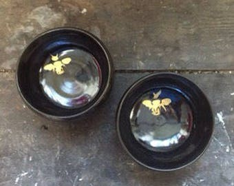 Black enamelled stoneware, small gold fire Bowl