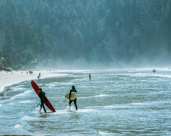 Oregon Surfer's on Quiet Beach