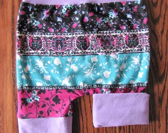 Scalable shorts - floral silhouette with lilac accent.