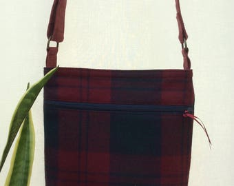 Plaid crossbody bag with magnetic closure